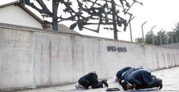 Muslim delegates praying at dachau, illume